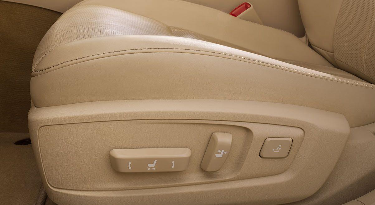 Lexus ES 350 10-Way Power-Adjustable Driver's Seat