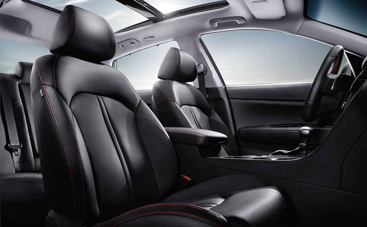 Comfort Abounds Inside the 2017 Optima