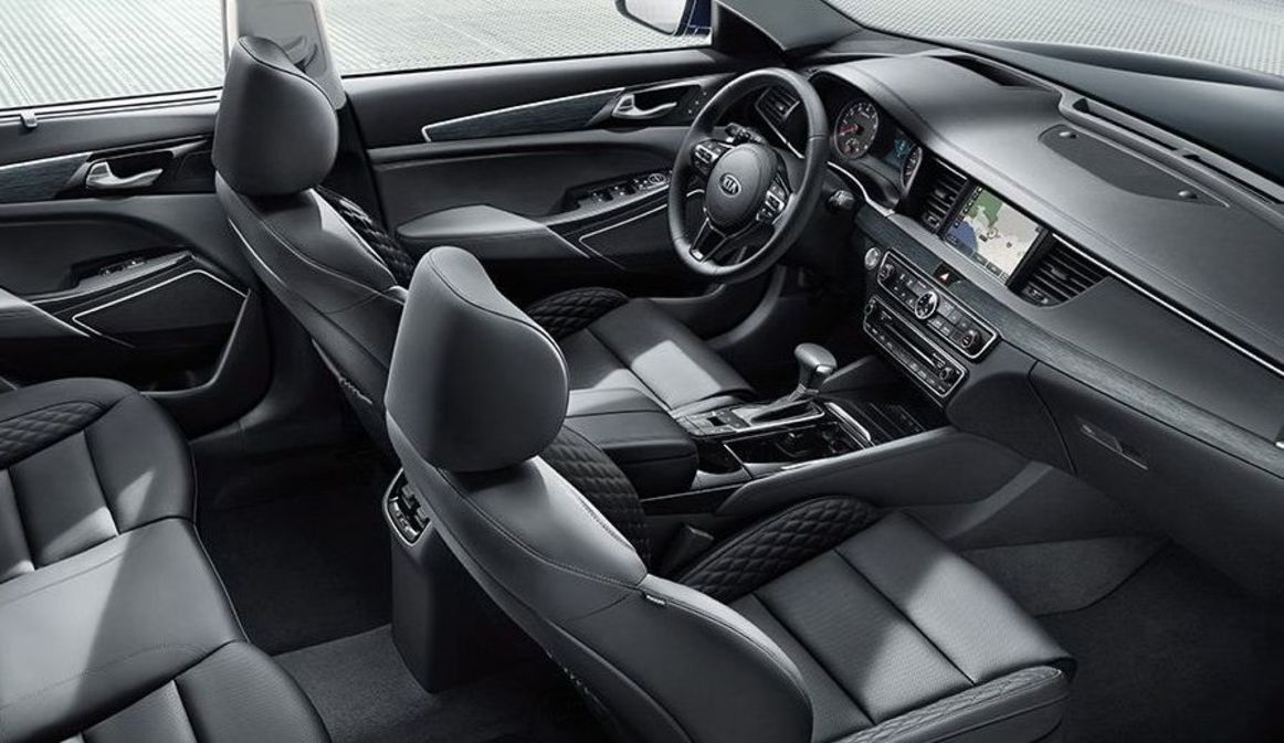 Luxury-Appointed Interior of the Kia Cadenza
