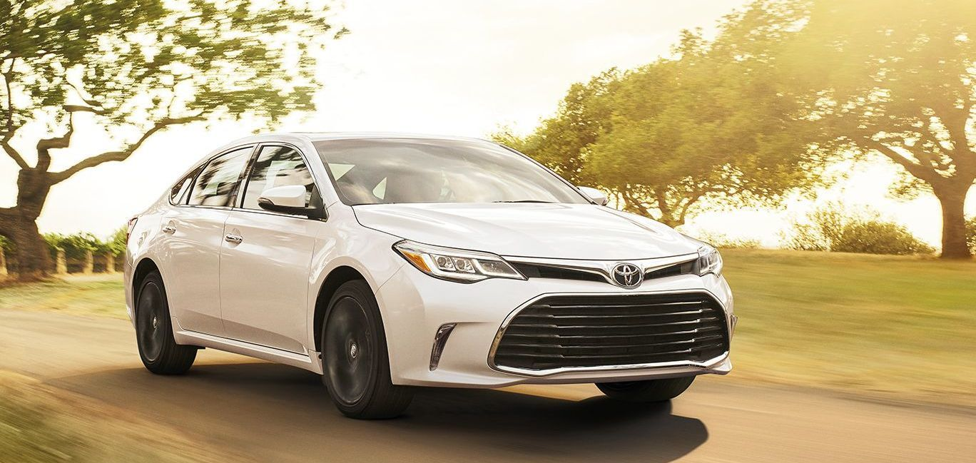 2017 Toyota Avalon Hybrid for Sale near Lenexa, KS